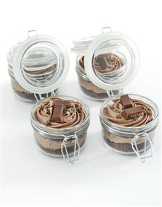 bakery: Kit Kat Cupcakes in a Jar!
