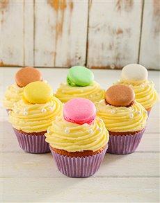 bakery: Vanilla Macaroon Cupcakes!