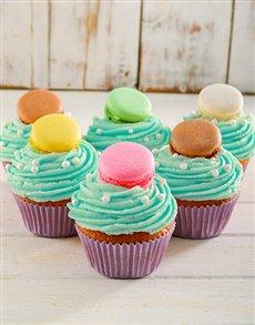 bakery: Turquoise Macaroon Cupcakes!