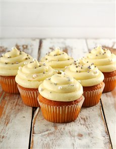 bakery: Classic Vanilla Cupcakes!