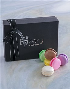 gifts: Rainbow Macaroon Selection!