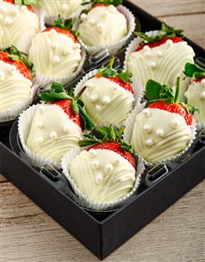 bakery: Pearl Dress White Chocolate Dipped Strawberries!