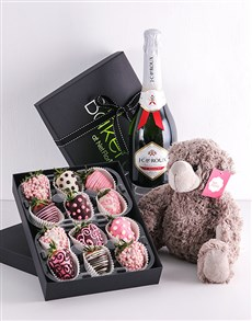 bakery: Pink Party Dipped Strawberry Gift Hamper!