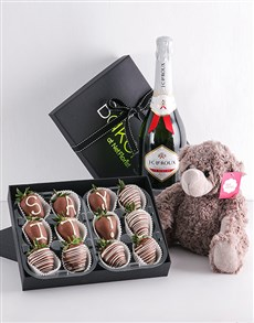 bakery: Personalised Dipped Strawberry Gift Hamper!