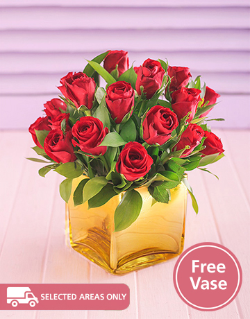 Flowers: Red Roses in a Free Gold Vase!