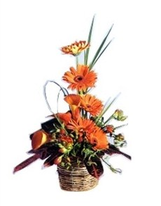 flowers: Ornate Orange Flower Display!