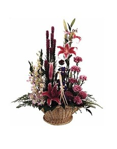 flowers: Traditional Symetrical Basket!
