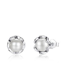 jewellery: Silver Round Flower Design Pearl Studs!