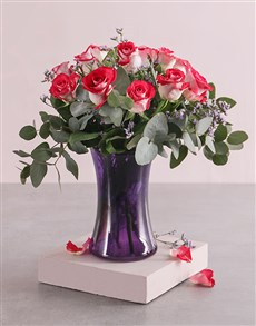 flowers: Majestic Roses in Vase!