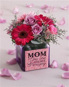 flowers: Mini Cuteness in a Vase!