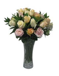 flowers: Mix of Pastel Roses in a Glass Vase!