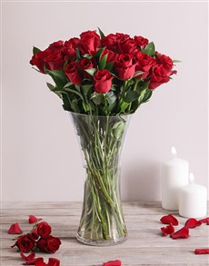 gifts: Scarlet Love Rose Vase!