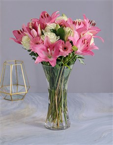 gifts: Pastel Seasonal Flowers in a Glass Vase!
