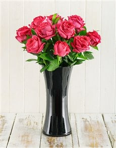 Flowers: Cerise Roses in Black Vase!