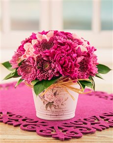 flowers: Pink Sprays in a Pottery Container!