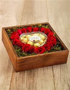 flowers: Sweet Love Rose Box!