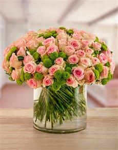flowers: Strawberry Sorbet Rose Vase!