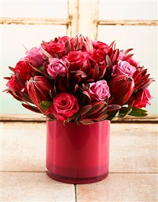 flowers: Pretty in Pink Floral Vase!