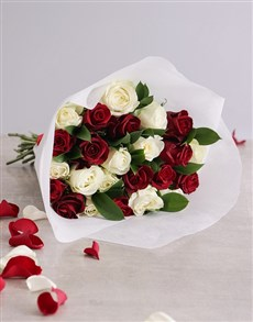 gifts: Queen of Hearts Rose Bouquet!