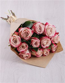 gifts: Variegated Pink Roses in Craft Paper!