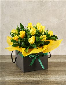 gifts: Yellow Roses in Boxed Handbag!