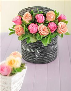 flowers: Pastel Roses in Hat Box!
