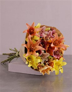 flowers: Lilies in Craft Paper!