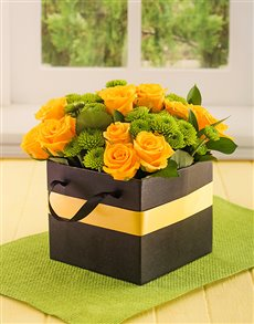 flowers: Yellow Roses in a Boxed Handbag!