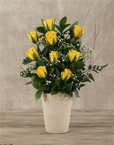flowers: Yellow Roses Pot!