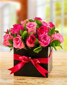 flowers: Mixed Pink Roses in a Box!
