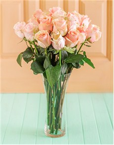 flowers: Pastel Giant Ethiopian Roses in a Vase!