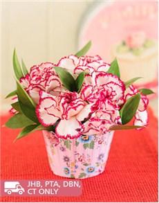 flowers: Carnation Flower Cupcake!