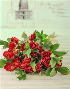 flowers: Kenyan Cluster Red Rose Bouquet!