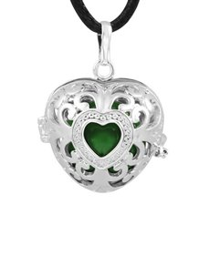 jewellery: Shiroko Harmony Bell Green Heart Necklace!