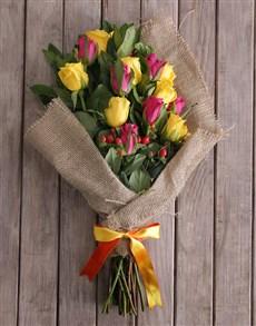 flowers: Hessian Rose Mix!