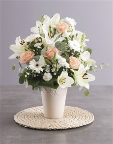 gifts: Elegant Cream Flower Arrangement!
