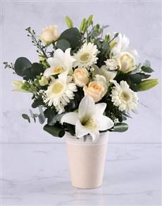 flowers: Elegant Cream Flower Arrangement!