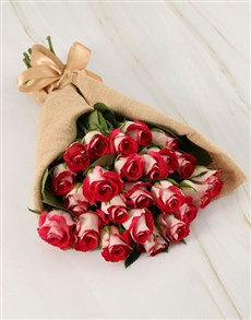 flowers: Classy Roses in Hessian Wrapping!