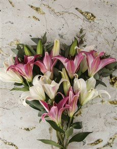 flowers: Flirty Lily Bouquet!