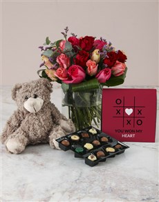 flowers: Flirty Firestarter Mixed Rose Hamper!