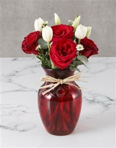 flowers: Striking Tulips And Roses Vase!