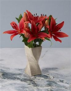 flowers: Lustrous Lilies In A Twisty Vase!