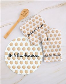 gifts: Personalised Mr and Mrs Kitchen Set!