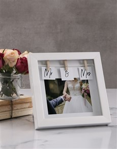 gifts: Personalised Mr and Mrs Peg Photo Frame!