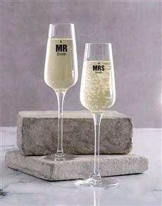 gifts: Wedding Champagne Glass Set!