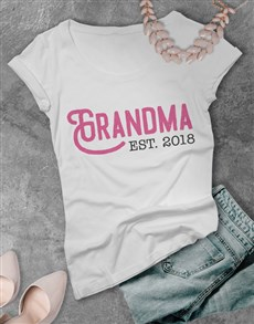gifts: Personalised Grandma Shirt!