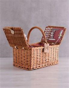 gifts: Personalised Buddies Picnic Basket!