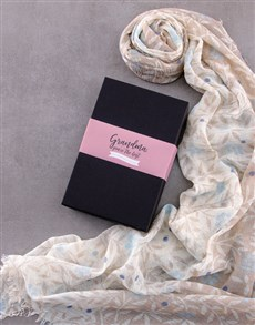 gifts: Personalised Best Grandma Scarf Gift!