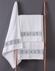 gifts: Personalised Green Leaves White Towel Set!