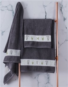 gifts: Personalised Green Leaves Charcoal Towel Set!